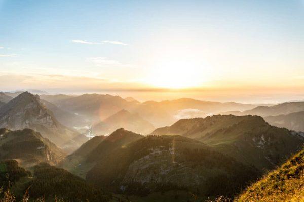 Eines meiner Lieblingsbilder vom Sonnenuntergang auf dem Diedamskopf im Bregenzerwald. #bregenzerwald #bregenz #diedamskopf ...