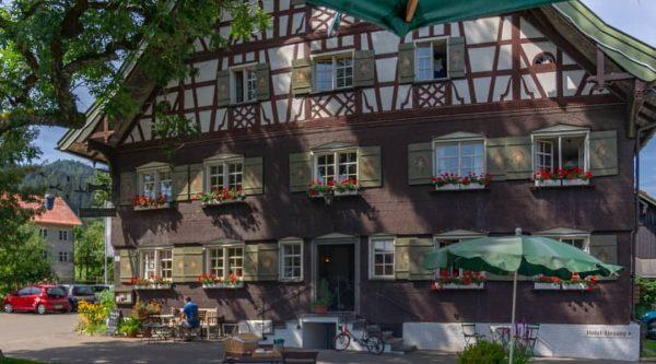 Hotel Traube, Thalkirchdorf Unser Hotel ist seit 6 Generationen im Besitz der Familie. ...