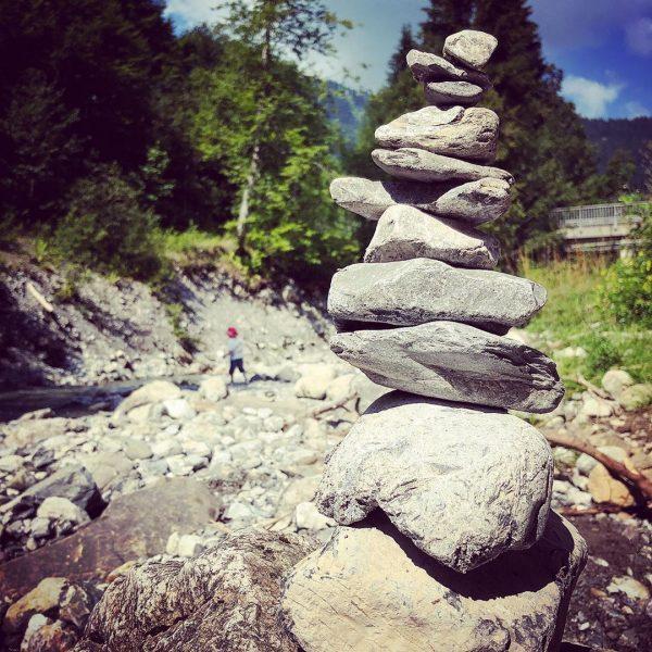 Cairn #steinmännchen #kleinwalsertal #österreich #austria #breitach #hiking #vaccation #river #mountains #mountain #nature #naturelovers #naturelovers #skyporn #clouds #tree...
