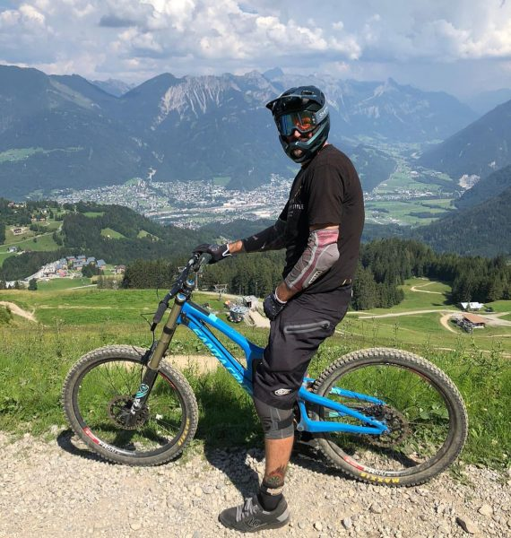 #throwbackthursday 🤙🏻😎🤘🏻 What a beautiful place: #bikeparkbrandnertal #mtb #bike #mountainbike #downhill #freeride #gravity ...