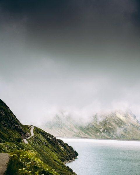 Wer braucht ne kleine Abkühlung?💁🏼♂️⛰ • • • @meinfoto_de #meinfoto_de #fromösterreichwithlove Silvretta-Stausee