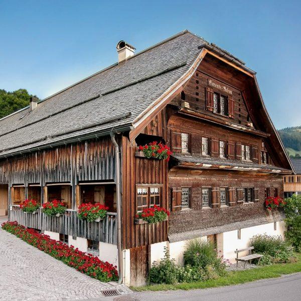 Das Angelika Kauffmann Museum ist in einem typischen Bregenzerwälder Haus aus dem 16. ...