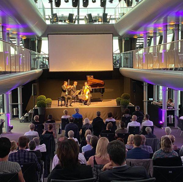 Sonnenkönigin meets Classic das Eggner Trio am Samstag! Ein wunderbarer, unvergesslicher Abend! Danke ...