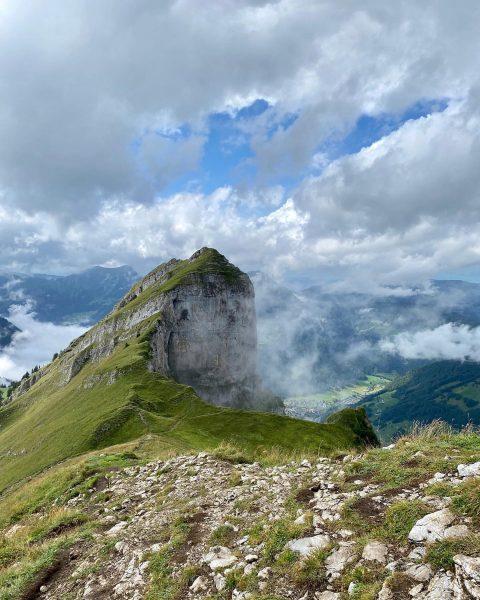 Back!!! #bregenzerwaldrocks - nobody else on Kanisfluh 😊🏔🙏 #everybodylovesthekanisfluh #bregenzerwald #au #schoppernau #vorarlberg #austria #österreich #visitbregenzerwald #visitvorarlberg...