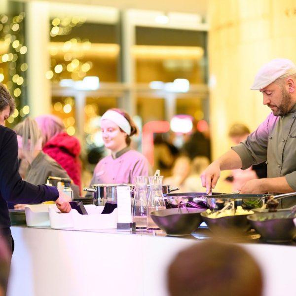 Als praktischer Inhouse-Service unterstützt Sie unsere @e3montforthaus Gastronomie gerne kulinarisch bei Ihrem Event! Ob Tapas und Aperitif,...