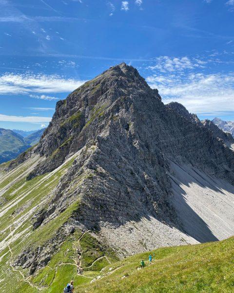 "Karhorn ""Stau im Klettersteig"" 😂 & Wartherhorn - F.U.N.!!! 🏔☀️😊 #karhorn #karhornklettersteig #wartherhorn #warth #biberkopf #schoppernau #au..."
