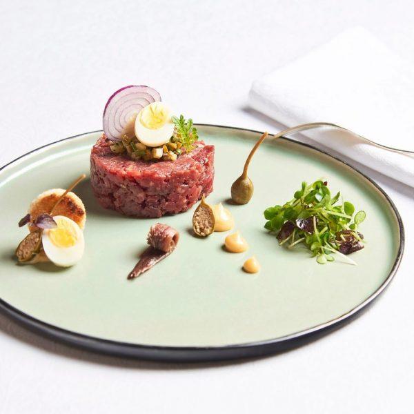 Heute und immer von Freitag bis Sonntag Mittag gibt das leckere Beef Tartare ...