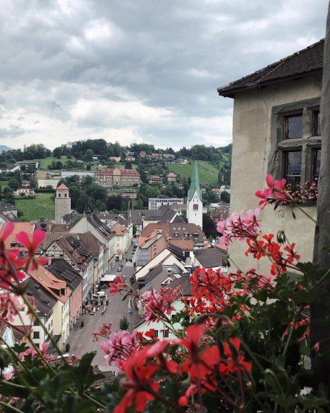 Beautiful weather and beautiful Schattenburg ☁️🏰☁️ . . . . . #austria #österreich ...