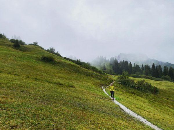 """Wanderung in Oberlech. Ganz nach dem Motto: """"es gibt kein schlechtes Wetter, nur ..."""
