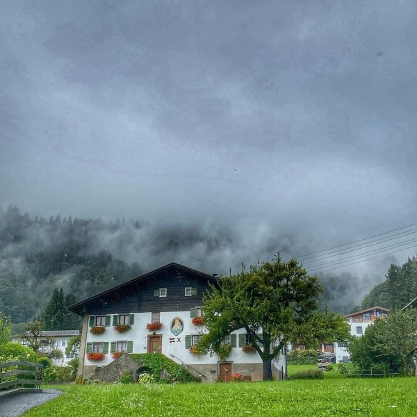 Eigentlich wollten wir die Montafoner Bergwelt erobern ... #montafon #meinfrauenlauf #frauenberggaudi #vorarlberg #austria #dancingintherain #regen #reiselust #wanderlust...