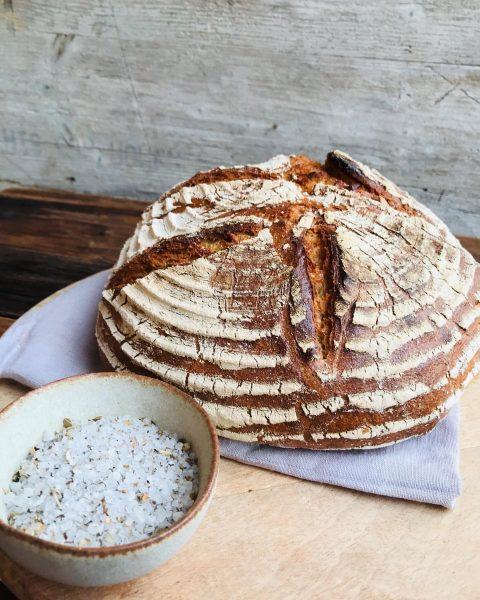 Brot und Salz sind symbolhafte Geschenke in vielen Kulturen. In Feldkirch spielte beides besonders im Mittelalter eine...