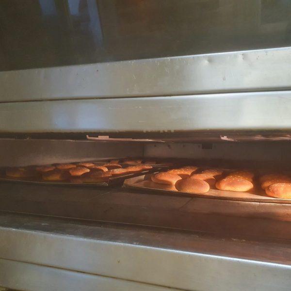 Burgerbrötchen fürs Kulturpicknick am Sonntag ab 11 Uhr gibts von August Dorner - ...