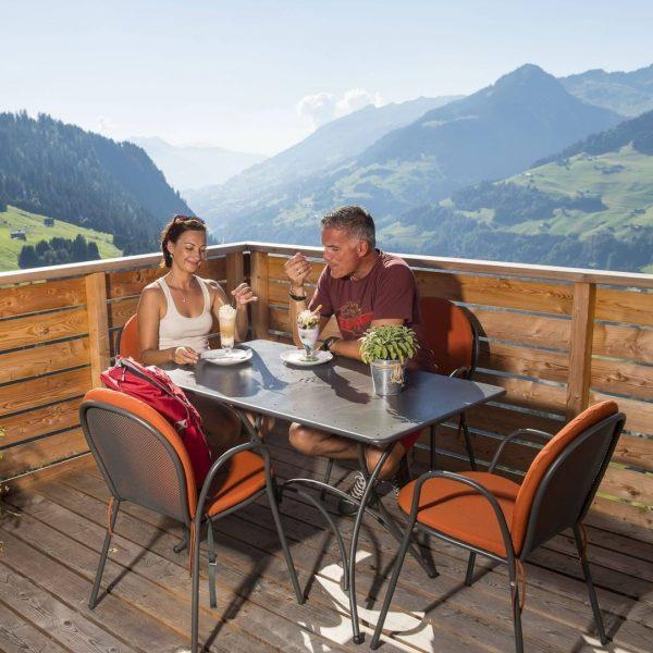 𝐈𝐜𝐡 𝐤𝐚𝐦. 𝐈𝐜𝐡 𝐬𝐚𝐡. 𝐃𝐞𝐧 𝐆𝐞𝐧𝐮𝐬𝐬𝐦𝐨𝐦𝐞𝐧𝐭. Urlaub im Großen Walsertal - Ausblicke, Genuss, Entspannen! ♥️ #GroßesWalsertal #VeniVidiVorarlberg...