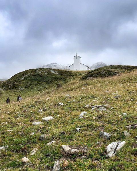 Gimme shelter. . . . #silvretta #silvrettamontafon #silvrettahochalpenstrasse #montafon #meinmontafon #church #vorarlberg #austria ...