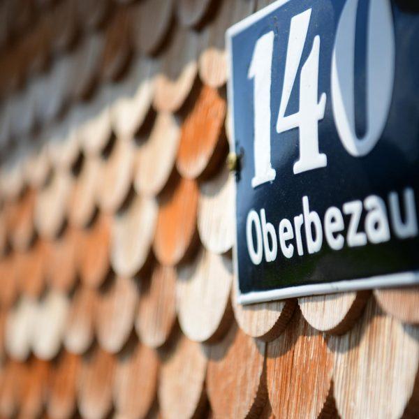 Baukulturelles Erbe in schönster Landschaft ...... . . . . . #venividivorarlberg #visitvorarlberg #tradition#bregenzerwald #architekturimbregenzerwald #revitalisierteswälderhaus #handwerkbregenzerwald...