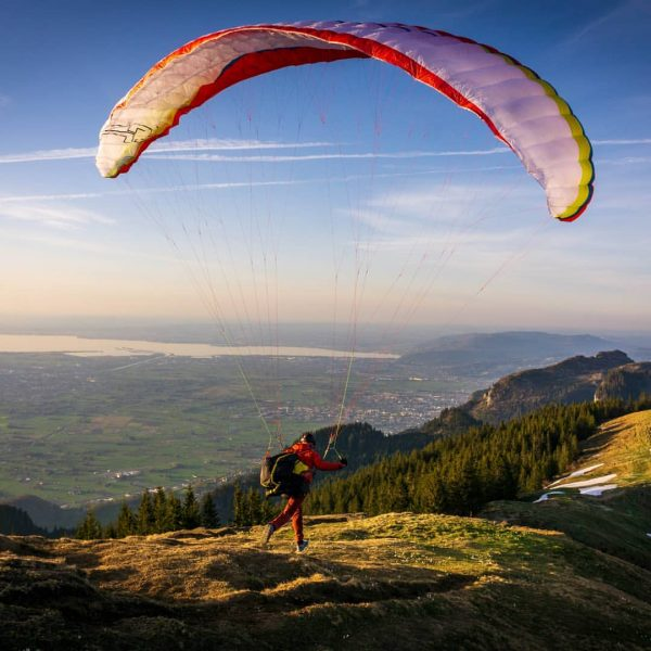 Takeoff... #airborne #paraglidinglife #paragliding #airdesigngliders #airdesignparagliders #takeoff #hikeandfly #runandfly #sky #paraglide #hike #peak ...