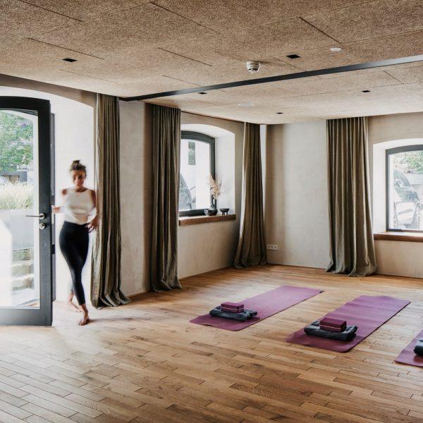 Mehrmals wöchentlich offene Yogakurse in unserem Studio B (Tel 0043 5518 2207) und im Oktober, November und...