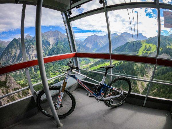 Was für ein Panorama: Die Panoramabahn der @brandnertalbergbahnen ist die Verbindung von Bürserberg ...