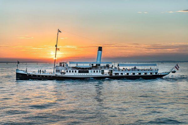 Dampfschiff HOHENTWIEL im Sunset /// #schaufelraddampferhohentwiel #dampfschiff #dampfschiffhohentwiel #michaelhaefnerfotografien #sunset #sonnenuntergang #bodensee #bodenseeschifffahrt ...