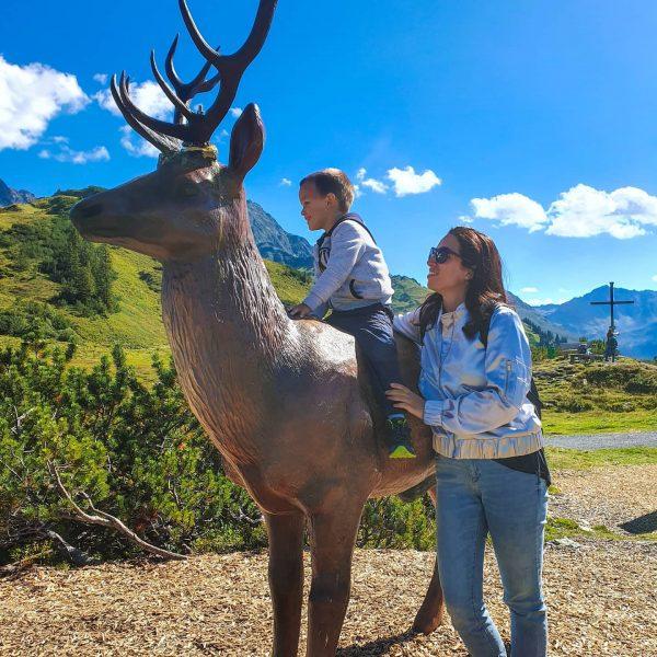 #bärenland #sonnenkopf #austria #vorarlberg #bluesky #sunnyday #mumlife #havingfun #mountains #mountainview #family #familytime #bärenlandsonnenkopf ...
