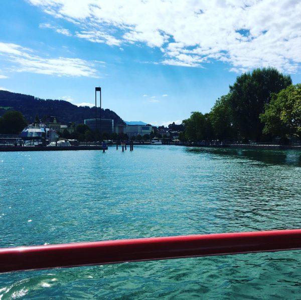 Heute Schifffahren am Bodensee! Ein absoluter Traum! Glitzerndes Wasser, warmer Wind, schöner Ausblick! ...
