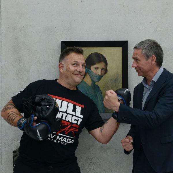 Some behind the scenes... KUB director @thomas.d.trummer meeting fighter Christian Loitz / @loitzchristian at Kunsthaus Bregenz Photos:...