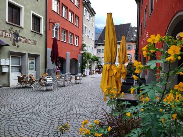 Het kleurrijke centrum van Bludenz... #bludenz #vorarlberg #vorarlberg❤️ #visitvorarlberg #vorarlbergtourismus #austria_insta #austriatrip #austria_pictures ...