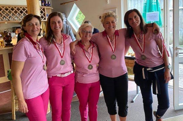 Am vergangenen Wochenende fanden die Vorarlberger Mannschafts- Meisterschaften auf unserem Platz statt. Unsere ...