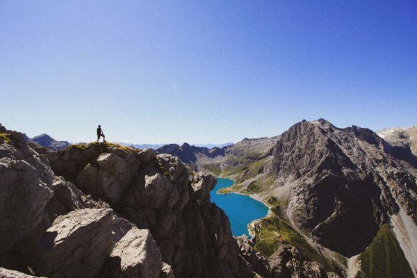 Rätikon🧊 #schafgafall #brandnertal #rätikon #vorarlberg #austria #russenhocke #hiking #brand #lünersee #bluebird #traveltheworld 📸@scheresteinpaarbier ...