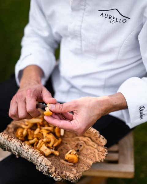 our head chef Christian is already starting with the preparations for the winter gourmet menu #naturalartcuisine #aureliolech...