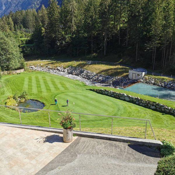 Traumherbsttag. Sonne ☀ perfekte Temperatur. Wir wünschen ein schönes Spiel. Das Alpin Golf ...
