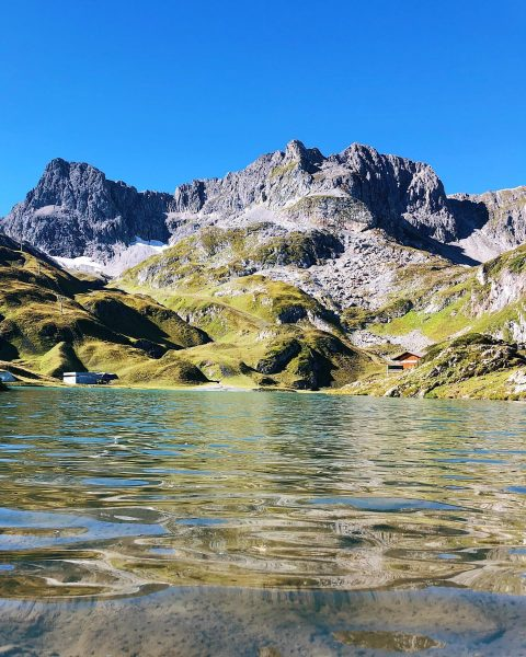 Zürser See⛰ . . . . #lechzuers #arlberg #skiarlberg #zürsersee #madloch #visitvorarlberg #venividivorarlberg ...