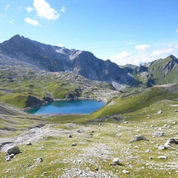 About last week ... Der #Butzensee auf 2.124 m liegt zwischen Mohnenfluh ⛰️ ...