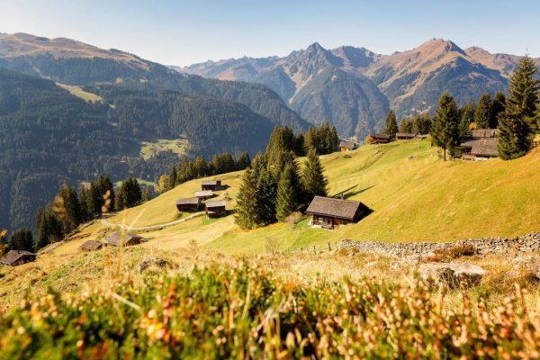 Der Herbst ist zweifelsohne eine der schönsten Jahreszeiten, um die Montafoner Bergwelt zu erkunden! 🥰 📸 Montafon...
