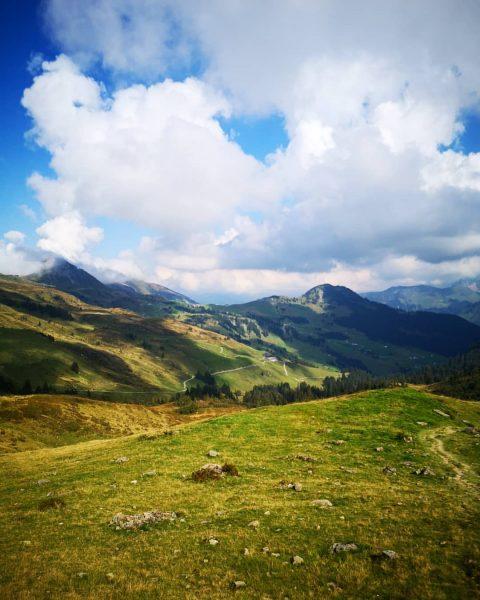 Wolkig, warm und ein feiner Wind in den Bergen von Damüls 🥰 🇬🇧 ...