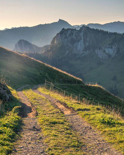 Hallo Wanderherbst! Unser Lieblingswanderung für den Herbst ist die Wanderung von Baumgarten nach ...