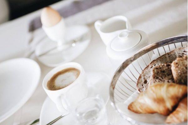 Ganz ganz große Frühstücks-Liebe ❤️ Es gibt doch wirklich nichts Schöneres, als zu ...