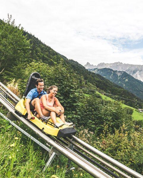 Bitte anschnallen! 💨 Mit bis zu 40 km/h und über 44 Jumps geht's von Latschau nach Vandans!...