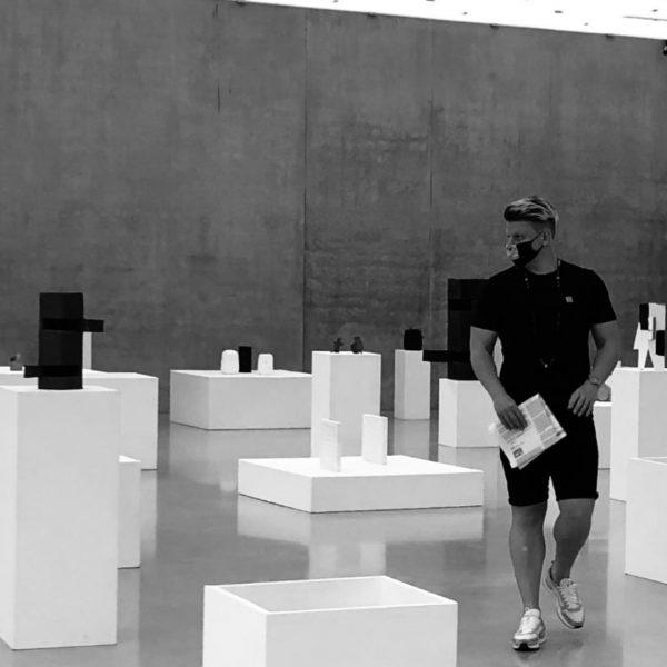 Growth and development Monkeys-Cansandsculptures-burnedpaper #fischliweiss #peterfischli #retrospektive Kunsthaus Bregenz