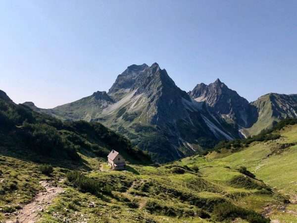 🌿⛰🥾 #riezerln #hirschegg #kleinwalsertal #berge #bergwelten #bergliebe #bergsommer #mountains #mountainlovers #hiking #hikingadventures #alpen ...