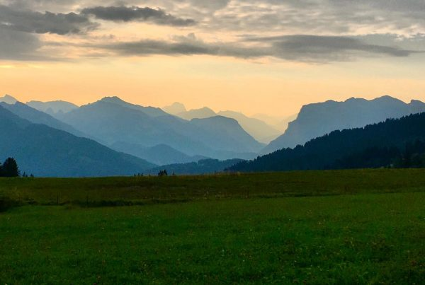 Was für ein Ausblick heute Morgen am Bödelepass! 🤗 Bezaubernde Morgenstimmungen wie diese ...