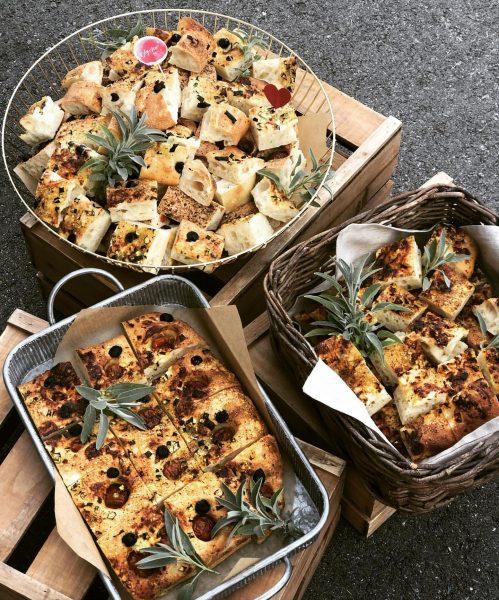 Focaccia - perfekt für eine #agape #hochzeit #aperitif #geburtstag #catering #ländle #begeisterei💕 #fresh #homemade #foodlover #foodie