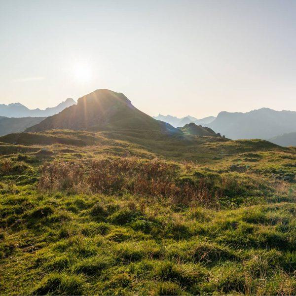 Früh aufstehen lohnt sich! Und ab und zu muss mans auch übertreiben, um die Ruhe am Gipfel...