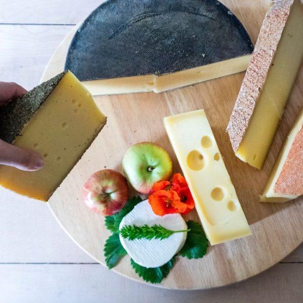 Did anyone say cheese? 😏🧀😋 #cheeselover #myvorarlberg #venividivorarlberg #culinarydelights Urlaubsland Vorarlberg