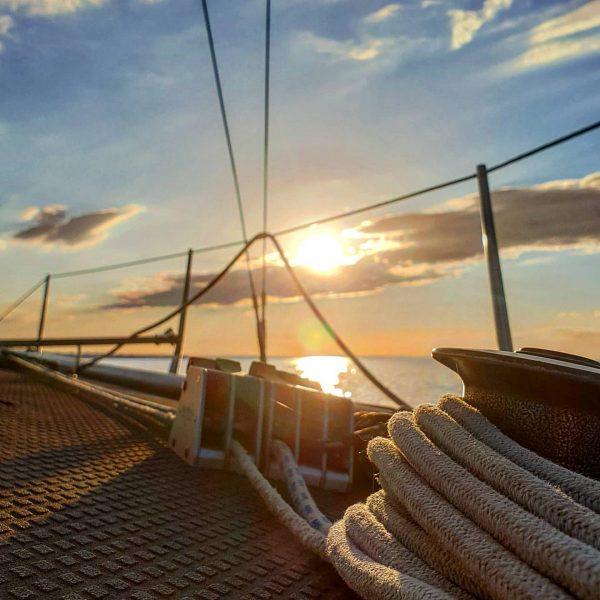 #lakeofconstance #lakelife #lakelove #goodlife #sail #sailingboat #sailing #sailinginstagram #sunset #bregenz #ycrelake #bodenseepage #sehnsuchtbodensee ...