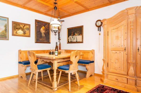 #Tradition 🇦🇹 Wir sind sehr stolz auf die traditionelle Ausstattung unserer gemütlicher Zimmer, die einen in die...