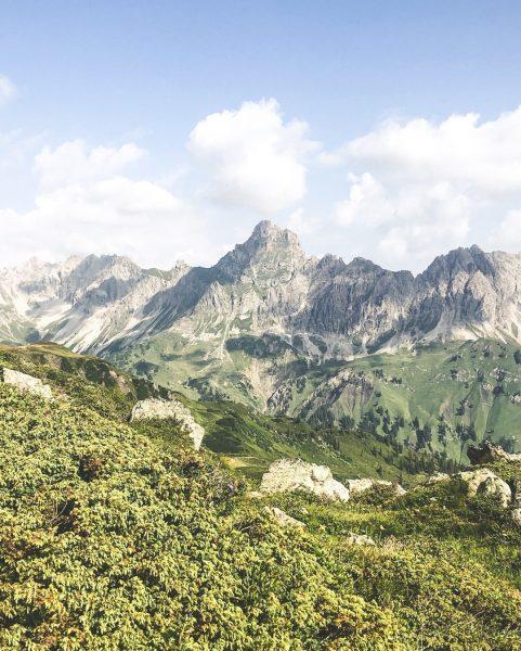 This view never gets old 😍⛰✨ #bergemitwow Weißt Du welche Bergspitze hier zu ...