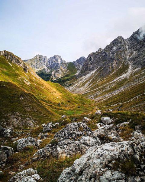 Es herbstelt! 🍂🍁🍂 #bergliebe #gipfelstürmer #wandern #kleinwalsertal #oberstdorf #allgäu #allgäueralpen #allgäu360 #visitvorarlberg #visitaustria Allgäuer Alpen
