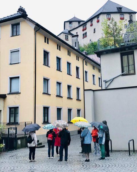 Ein wahrer Regentanz war die heutige Stadtführung. ☔️🌧 #4führt #venividivorarlberg #bodenseevorarlberg #feldkirch #regenwetter☔️ ...
