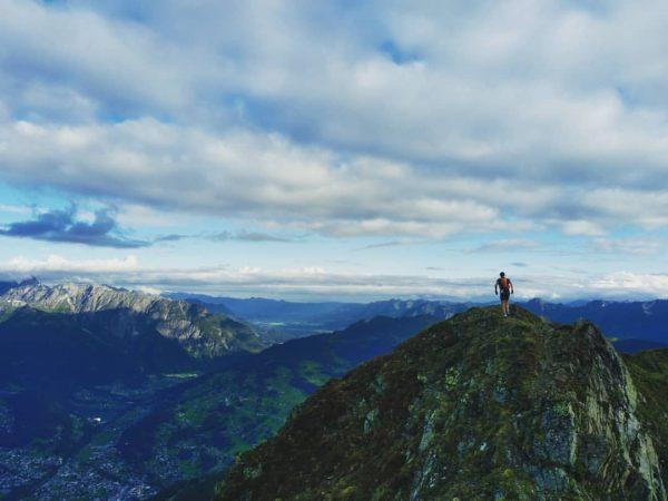 Mon premier sommet dans les Alpes de l'année. J'ai déjà oublié le nom ...